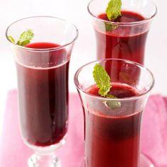 Valentine's Day Cocktails // Cranberry Sparkler Recipe