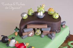 Una divertida tarta para una fiesta Angry Birds / A fun cake for an Angry Birds party