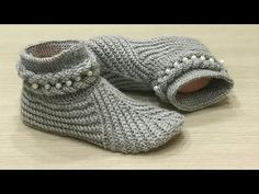 My master and your health … - Diy And Craft Loom Crochet, Crochet Ripple, Crochet Gloves, Knitted Slippers, Slipper Socks, Crochet Slippers, Beginner Crochet Projects, Sewing For Beginners, Baby Knitting Patterns