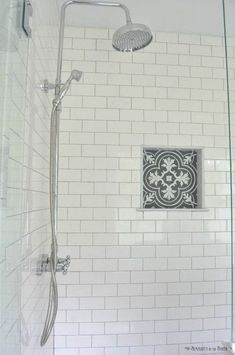 Beautiful subway tile bathroom remodel and renovation (44) #bathroominteriordesign #bathroomremodeling #bathroomrenovations