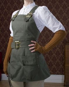 Could ne steampunk cod be a painting apron or female mechanic cosplay . Could ne steampunk cod be Steampunk Mechanic, Viktorianischer Steampunk, Steampunk Cosplay, Steampunk Clothing, Steampunk Female, Steampunk Dress, Modern Steampunk Fashion, Steampunk Gloves, Woman Mechanic