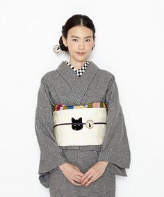 猫刺繍・千鳥格子の単衣ウール着物♪。【2015ふりふ着物・単衣ウール】BAT CAT Japanese Costume, Japanese Kimono, Coming Of Age Day, Japan Woman, Japanese Outfits, Tea Ceremony, Yukata, Costumes For Women, Traditional Outfits