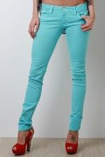 pretty jeans! Perfect for spring and summer :)