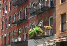 Fire Escape Gardens NYC  gardendesigntravels.tumblr.com
