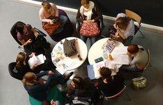 L'Europe bute sur un projet de « garanties bancaires » aux étudiants.  Les ambassadeurs des pays de l'Union européenne à Bruxelles tenteront, demain, de s'accorder sur un projet de « garanties bancaires » au sein du programme d'échanges universitaires Erasmus.