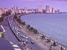Mumbai: Marine Drive    http://oddroad.com/destination.php?name=Mumbai=124