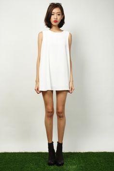 Elemert Cape Dress - White | RUNWAY BANDITS