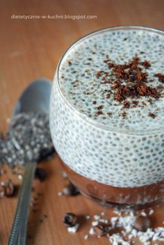Moje Dietetyczne Fanaberie: Pudding chia z musem kakaowo – kawowym My Dietary Frills: Chia pudding with cocoa and coffee mousse Easy Healthy Smoothie Recipes, Healthy Snacks, Sweets Recipes, Cake Recipes, Coffee Mousse, Polish Recipes, Chia Pudding, Eat Breakfast, Fruit Smoothies