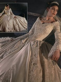 28 trendy ideas for wedding dresses corset renaissance 1980s Wedding Dress, Renaissance Wedding Dresses, Medieval Wedding, Dream Wedding Dresses, Wedding Gowns, Wedding Tips, Trendy Wedding, Gold Wedding, Gold Lace Dresses