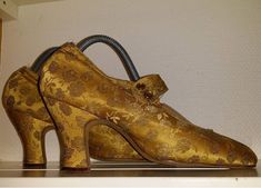 1920 tals sidenskor. 1920s silk shoes. For sale. Till salu 20s shoes
