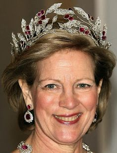 Ruby Olive Wreath Tiara worn by HM Queen Anne Marie of Greece