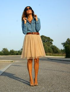 I used to have a skirt almost exactly like this. I've been trying to find a replacement for ages :/