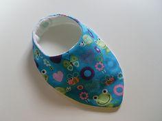 Bavoir bandana anti bavouille de bébé, motif grenouilles : Mode Bébé par zekoualamachine