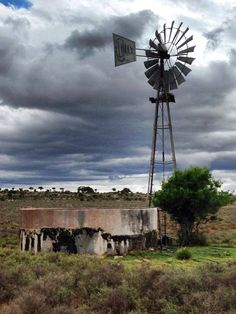 Go to the Fb web page Windpompe/ Windpumps to find the origins and photogr. Landscape Photos, Landscape Paintings, Landscape Art, Old Windmills, Country Scenes, Water Tower, Old Barns, Le Moulin, Beautiful Landscapes