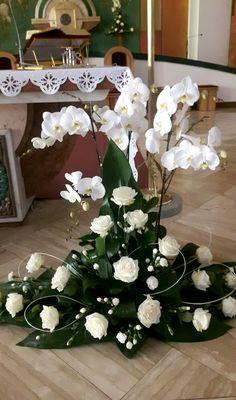 Flower Arrangement Designs, Church Flower Arrangements, Church Flowers, Beautiful Flower Arrangements, Funeral Flowers, Floral Arrangements, Beautiful Flowers, Wedding Flowers, Wedding Decorations