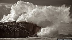 Waves Crashing On Rocks Sepia - http://wallsfield.com/waves-crashing-on-rocks-sepia-hd-wallpapers/