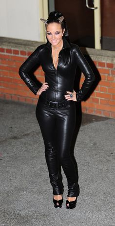 Tulisa Contostavlos wears a leather catsuit outside the X-Factor Studios in London - October 2011 Leather Catsuit, Leather Jumpsuit, Leather Pants, Tulisa Contostavlos, Mode Latex, Leather Leggings Outfit, Leder Outfits, Leather Dresses, Leather Fashion
