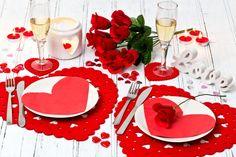 Valentine's Day Heart Shape Placemats & Coasters Set Lazercut Red Felt Table New Romantic Table Setting, Romantic Room, Romantic Evening, Romantic Date Night Ideas, Date Dinner, Red Felt, Romantic Dinners, Valentine Decorations, Decoration Table