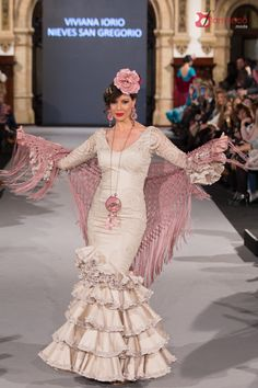 "Viviana Iorio y Nieves San Gregorio: ""Tango"" – We Love Flamenco 2018 Flamenco Wedding, Fishtail, Mermaid, Retro, Womens Fashion, Pink, Clothes, Dresses, Ivory"