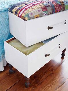 Love the stackable drawers and the bottom one has legs. old drawers repurposed as end of the bed storage boxes for linens Bed Storage, Storage Ideas, Drawer Storage, Blanket Storage, Storage Chest, Craft Storage, Creative Storage, Pillow Storage, Drawer Ideas