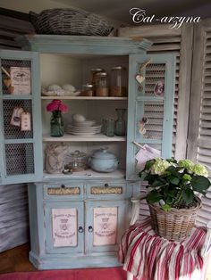 Check out the crown moulding and chicken wire doors, antiqued advertisement on the doors---great corner cabinet redo Repurposed Items, Repurposed Furniture, Country Furniture, Home Furniture, Redoing Furniture, Dollhouse Furniture, Corner Hutch, Hand Painted Furniture, French Country Decorating
