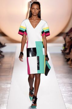 Roland Mouret Spring 2014 Ready-to-Wear