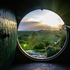 Who would love to wake up and open your door to this sunrise? This was me this morning! So lucky to be exploring Hobbiton with @hamiltonwaikato and a bunch of very cool people @barekiwi @brentpurcell.nz @debc_nz @shaun_jeffers @carmenhuter! Walking through the @hobbitontours movie set is a must do in NZ! #hamiltonwaikato #newzealand