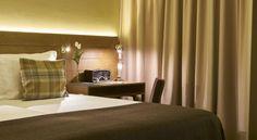 Detalhe Secretária - Quarto Hotel Portugal, Lisbon Portugal, Hotels And Resorts, Curtains, Room, Home Decor, Lisbon, Bedroom, Interiors