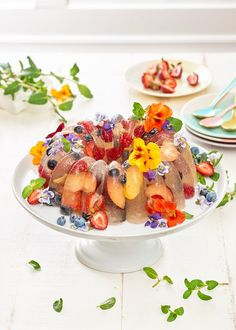 Champagne class meet retro kitsch in this classic, fruit-studded no bake dessert. Perfect if you're looking for ideas for desserts for summer potlucks, bbqs, and parties! Jello Desserts, Jello Recipes, Summer Desserts, No Bake Desserts, Easy Desserts, Dessert Recipes, Salad Recipes, Dessert Cups, Sweets