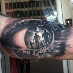 Love this family inspired eye tattoo from Ivo Father Son Tattoo, Father Tattoos, Tattoo For Son, Dad Tattoos, Neue Tattoos, Body Art Tattoos, Family Tattoos For Men, Tattoos For Kids, Tattoos For Daughters