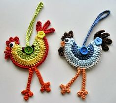 Loved these funky crochet roosters when I saw them and had to make some, pattern. - Loved these funky crochet roosters when I saw them and had to make some, pattern… – – Check more at - Crochet Birds, Crochet Motifs, Easter Crochet, Love Crochet, Crochet Animals, Crochet Crafts, Yarn Crafts, Crochet Flowers, Crochet Projects