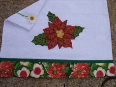 Would you like to learn how to make your own dish towels? Christmas Towels, Christmas Sewing, Christmas Diy, Christmas Decorations, Holiday Decor, Dish Towels, Tea Towels, Sewing Crafts, Sewing Projects