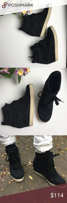 "Steve Madden Olympia Black Mult Shoes Steve Madden Olympia Black Mult Shoes   ▪️black suede sneaker-style wedges   ▪️ originally $160   ▪️great condition, only been worn ~5 times!!   ▪️sporty high top sneaker style   ▪️3"" internal wedge for sneaky height!!   ▪️lace up and has a velcro strap Steve Madden Shoes Wedges"