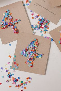 Make birthday invitations yourself! Confetti for everyone , DIY - Pretty invitation cards for children& birthdays quickly and easily make yourself. Make Birthday Invitations, Birthday Diy, Happy Birthday Cards, Homemade Birthday Decorations, Birthday Gifts, Jar Crafts, Kids Cards, Cards Diy, Diy For Kids