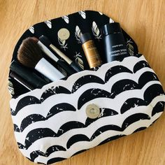 Easy made make-up clutch