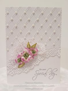 A simple and elegant card that is suitable for weddings or for a special occasion. The fan has been created from the HC Arianna Lace die and the edge die is the HC Fleur Border Basics.
