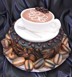 Perfect cake design for a coffee freak! Crazy Cakes, Fancy Cakes, Pink Cakes, Gorgeous Cakes, Pretty Cakes, Amazing Cakes, Unique Cakes, Creative Cakes, Bolo Original