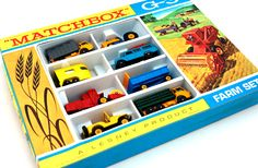 Vintage Toys Wanted by the-toy-exchange - A rare LESNEY MATCHBOX G-3 Regular Wheels FARM Gift Set. It comes complete with crisp clean packaging and strong vibrant colours.