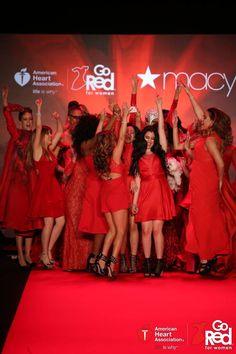 Love this celeb in red for wmn's heart health at @GoRedForWomen Red Dress Collection 2015 presented by @Macys! #GoRed