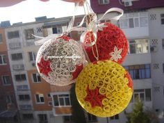 Atelier hirtie-quilling, felicitari -Monatibi. - Pagina 17 Quilling, Christmas Bulbs, Holiday Decor, Handmade, Home Decor, Atelier, Hand Made, Room Decor, Craft