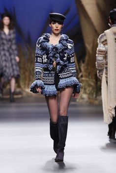 Francis Montesinos - Ready-to-Wear - Runway Collection - Women Fall / Winter 2010