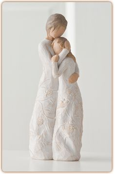Willow Tree ® sculptures, angels and figurines from are designed by Susan Lordi to represent the qualities and sentiments that make us feel close to others. Willow Tree ® products make wonderful gifts. Gifts For Mum, Gifts For Family, Parent Gifts, Mother Gifts, Teacher Gifts, Willow Tree Figuren, Willow Tree Angels, Weeping Willow, 2 Kind