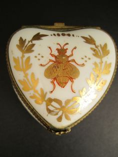 Limoges heart shaped box with a Napoleonic Bee. I have the oval. I Love Bees, Birds And The Bees, Buzzy Bee, Bee Boxes, Bee Jewelry, Jewelry Box, Bee Art, Antique Boxes, Bee Happy