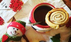 Empezamos el martes de una manera muy dulce y festiva. De mayor quiero ser un rollito de canela, receta de Andrea Acosta para su sección La Cucina #acostaskitchen #andreaacosta http://acostaskitchen.com/?p=1455