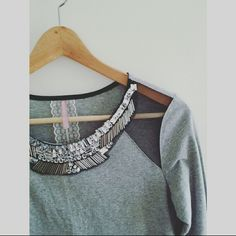Mauve Jewels Top Super Great Condition! Beautiful top! It goes great tucked in a high waisted skirt or with jeans and heels. Mauve  Tops Blouses