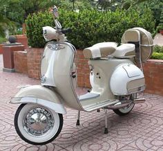 Nice Vespa 1965 2 tone Vespa VBB fully restored with 90 miles on the clock 110 MPG from the. 1965 Vespa - Classic Vintage Scooter - Vespa - For Sale Ads - Used & New Vespa Vbb, Motos Vespa, Piaggio Vespa, Lambretta Scooter, Vespa For Sale, Vespa Scooters For Sale, Triumph Motorcycles, Vintage Motorcycles, Motorcycles For Sale