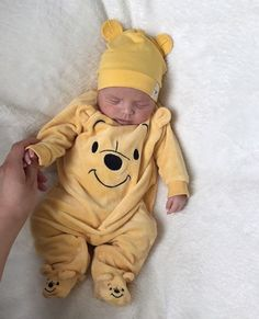 Little Babies, Cute Babies, Foto Baby, Baby Boy Fashion, Fashion Kids, Style Fashion, Cute Baby Pictures, Baby Family, Baby Kind