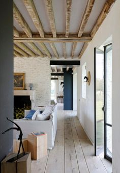Coastal Home Interior Rambouillet.Coastal Home Interior Rambouillet Pole Barn House Plans, Interior Architecture, Interior Design, Bungalow Homes, Cottage Living Rooms, Home Decor Bedroom, Home Decor Accessories, Cheap Home Decor, Home Remodeling