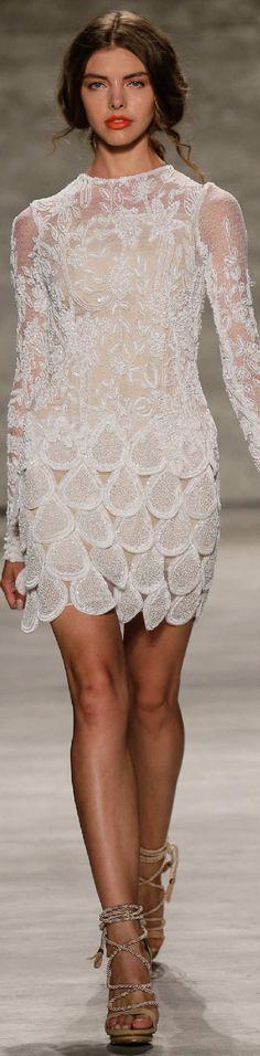 Spring 2015 Ready-to-Wear Luis Antonio