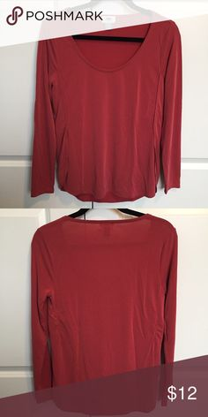Old Navy Sueded Tulip Hem Top S Old Navy sueded tulip hem long sleeve top - size small. Unique soft, sueded fabric in a washed red color. Washed but never worn, so in perfect condition. Old Navy Tops Tees - Long Sleeve